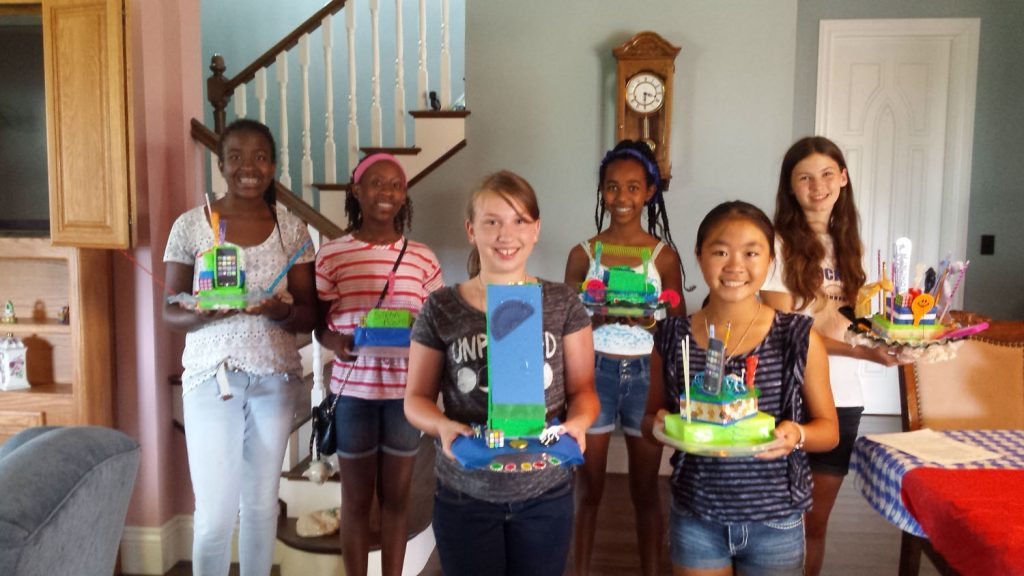 Tech Trek Campers Create STEM-Inspired Table Centerpieces